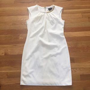 Just Taylor Light Cream Shift Dress